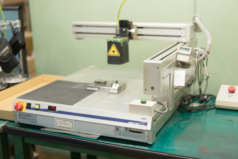 レーザー溶接機写真